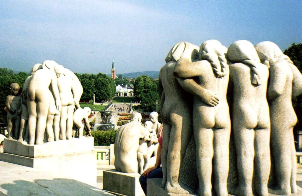 FROGNER PARK...SEE, BEAUTIFULLY ODD.